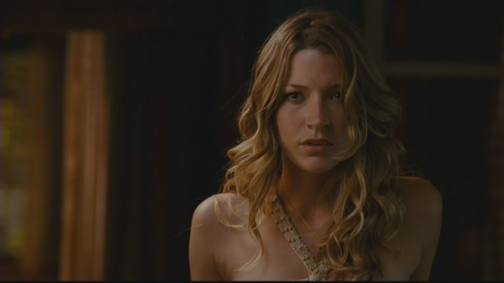 Sarah Roemer as Ashley is a decent addition to the film.