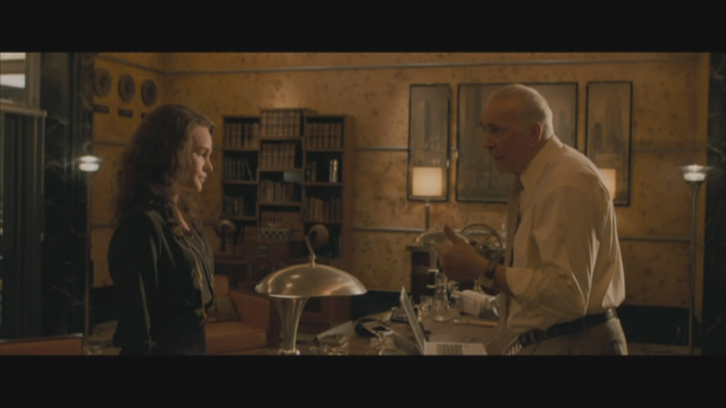 Lois and Perry White (Frank Langella) square off over an article.