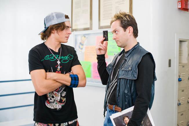 Zac Efron & Thomas Lennon make bad costume decisions....
