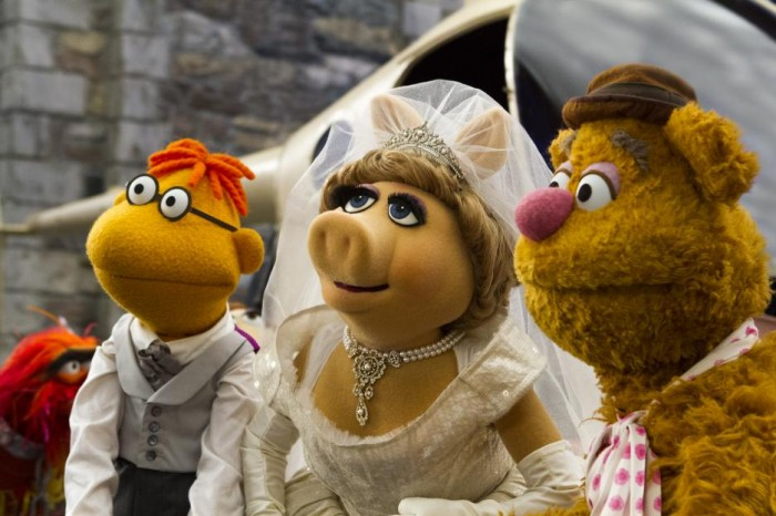 Miss Piggy's dreams almost came true..... marriage to a Bear and a.... Scooter?