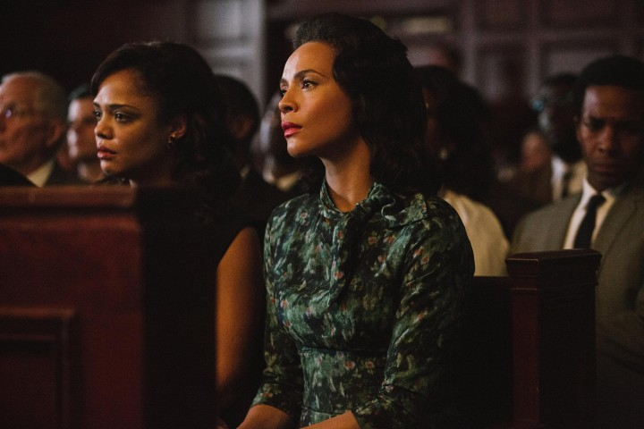 still-of-carmen-ejogo-and-tessa-thompson-in-selma-(2014)