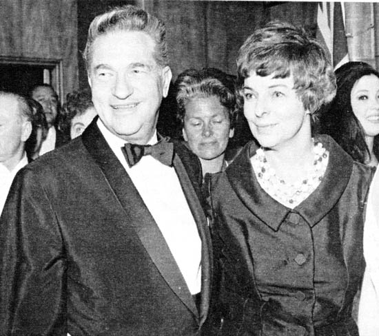 "Elmo Williams and his wife Lorraine arriving at the London premiere of ""Cleopatra"", in 1963."