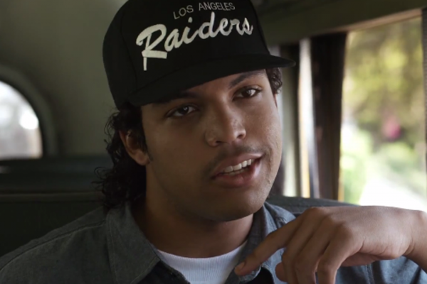movie review � straight outta compton