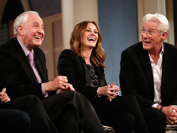 Garry Marshall (L) with Pretty Woman stars Julia Roberts (C) and Richard Gere (R).