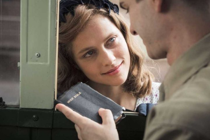 hacksaw-ridge-wife