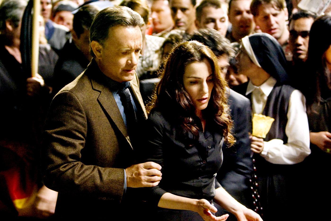Robert Langdon and Vittoria Vetra look for clues...