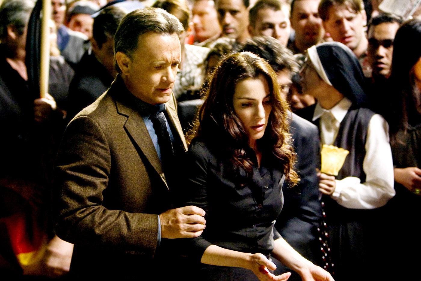 Robert Langdon and Vittoria Vetra look for clues...