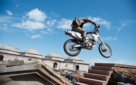 Skyfall-motorcycle-jump