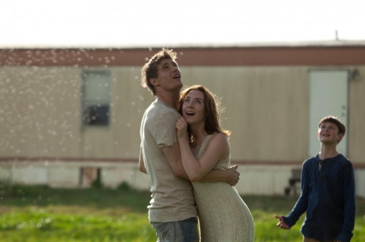 Oh how I wish this moment could last forever.... It's the only decent scene in the film, because nobody speaks!!