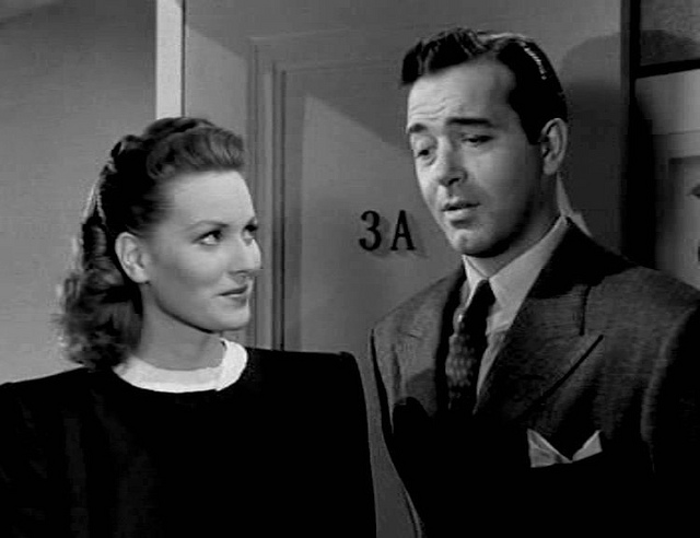 Maureen O'Hara (L) in Miracle On 34th Street.