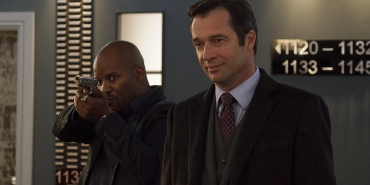 James-Purefoy-as-Mr-Washington-in-Momentum