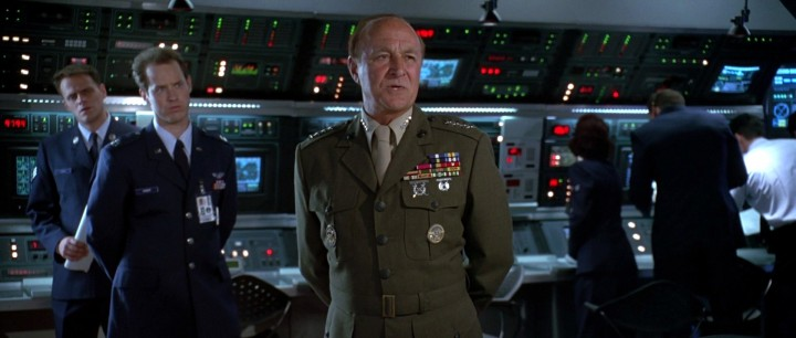 "Robert Loggia (Center) in his role as a military commander in 1996's ""Independence Day""."